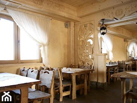 Aranżacje wnętrz - Wnętrza publiczne: Restauracja Góralska - ARCHITEKT WNĘTRZ ASPROJEKT. Przeglądaj, dodawaj i zapisuj najlepsze zdjęcia, pomysły i inspiracje designerskie. W bazie mamy już prawie milion fotografii!