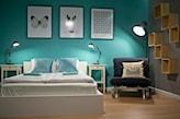 sypialnia z kolorową ścianą, białe łóżko, obraz z motylem
