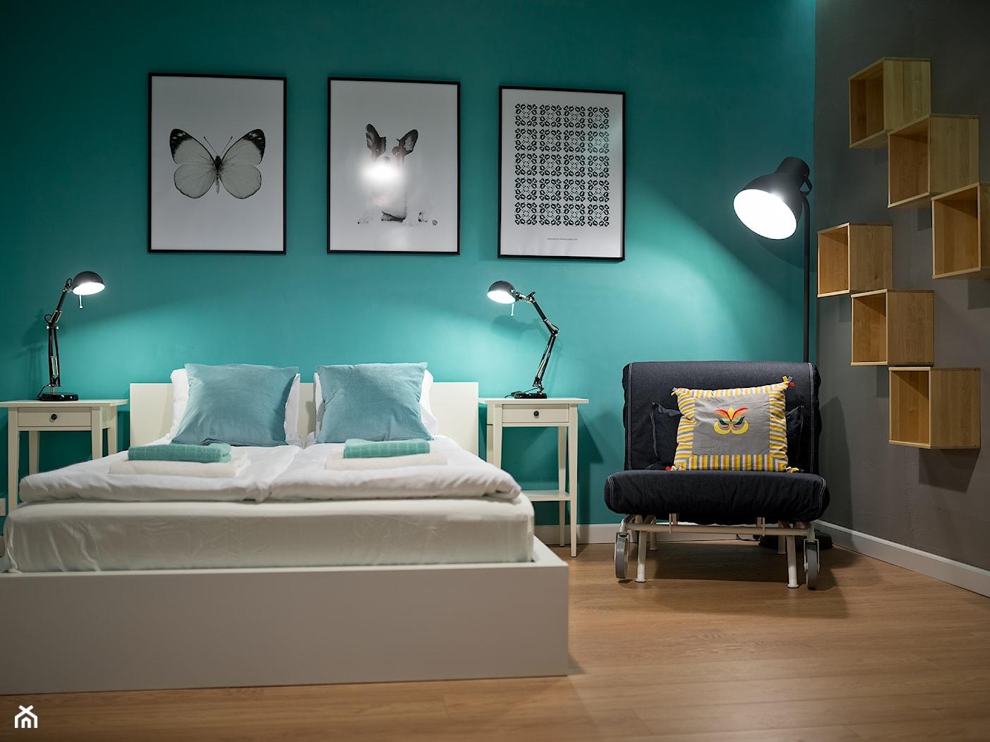 sypialnia z elementami industrialnymi - zdjęcie od Projektownia - Homebook