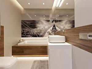 Mieszkanie w Gydni - Średnia łazienka w bloku w domu jednorodzinnym bez okna, styl minimalistyczny - zdjęcie od InteriorIdea