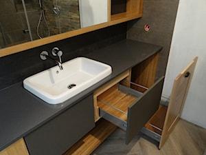 Łazienka w litym dębie - zdjęcie od MebleSadowscy