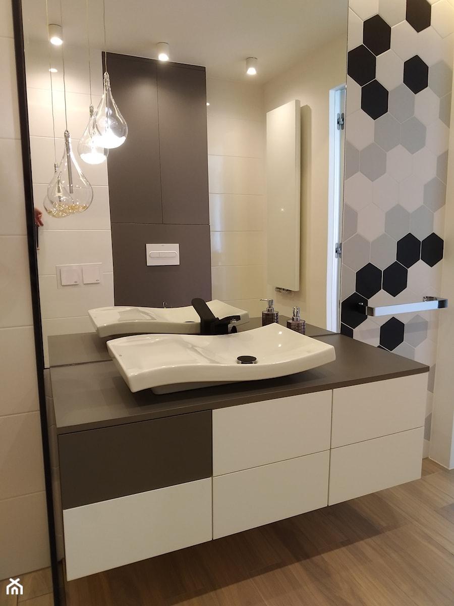 łazienka Nowoczesna Biało Szara Zdjęcie Od Pracownia Mebli