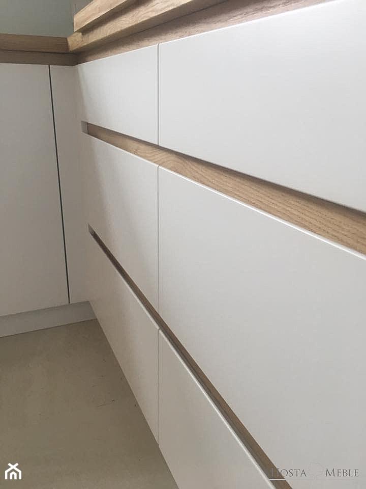 Realizacje - Mała zamknięta szara kuchnia w kształcie litery l, styl nowoczesny - zdjęcie od HOSTA MEBLE