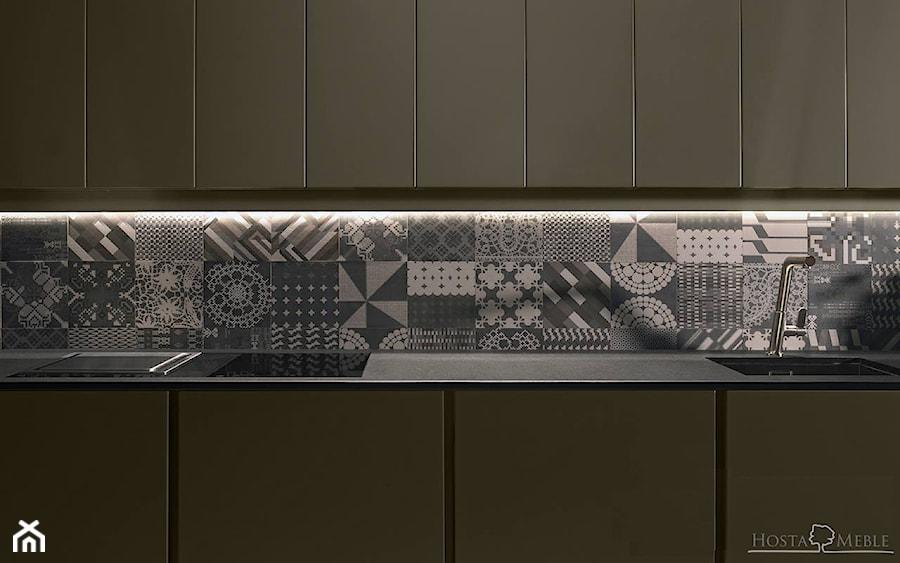Realizacje - Mała otwarta szara kuchnia jednorzędowa, styl nowoczesny - zdjęcie od HOSTA MEBLE