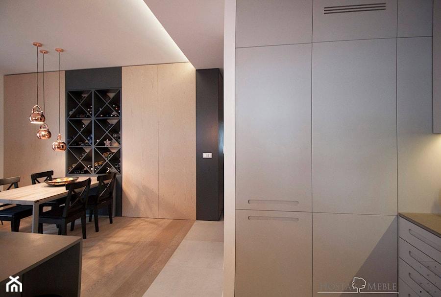 Realizacje - Mała otwarta szara kuchnia w kształcie litery g w aneksie, styl nowoczesny - zdjęcie od HOSTA MEBLE