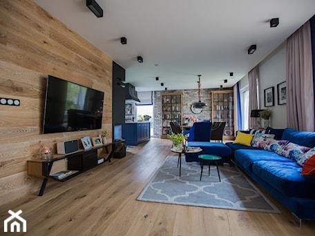 Aranżacje wnętrz - Salon: Blue - Salon, styl nowoczesny - Izabela Śmigórska - projektowanie wnętrz. Przeglądaj, dodawaj i zapisuj najlepsze zdjęcia, pomysły i inspiracje designerskie. W bazie mamy już prawie milion fotografii!