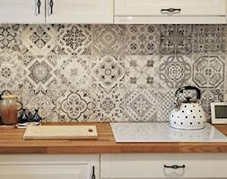 Kuchnia rustykalna - Mała zamknięta szara kuchnia jednorzędowa, styl skandynawski - zdjęcie od rebelle.concept - Homebook