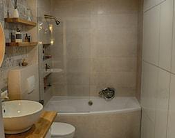 Łazienka patchworkowa - Mała szara łazienka w bloku w domu jednorodzinnym bez okna, styl rustykalny - zdjęcie od rebelle.concept - Homebook