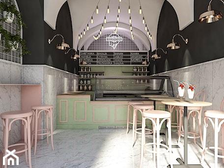 Aranżacje wnętrz - Wnętrza publiczne: Lodziarnia Ice Station, Kraków - Wnętrza publiczne, styl tradycyjny - pim concept. Przeglądaj, dodawaj i zapisuj najlepsze zdjęcia, pomysły i inspiracje designerskie. W bazie mamy już prawie milion fotografii!