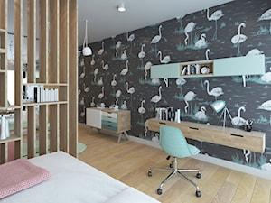 NOWE OBLICZE DOMU Z LAT 70-TYCH - Duży szary czarny pokój dziecka dla dziewczynki dla ucznia dla nastolatka, styl skandynawski - zdjęcie od VIVINO Studio