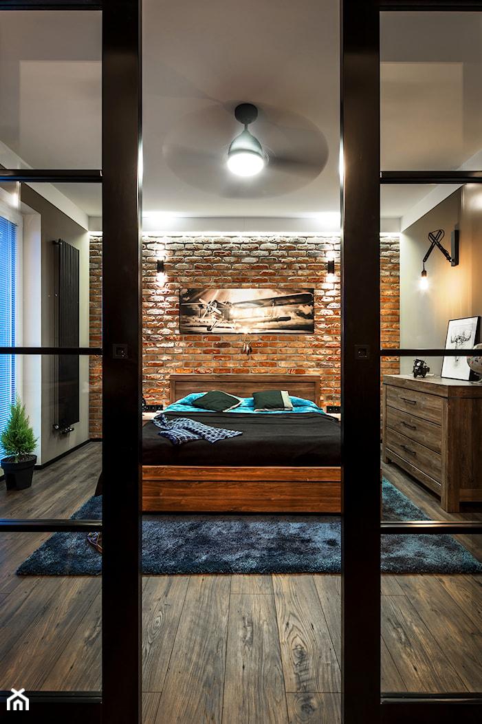 Męskie wnętrze - magazyn wspomnień - Średnia szara sypialnia małżeńska - zdjęcie od idsgn paulina olbrychowska - Homebook