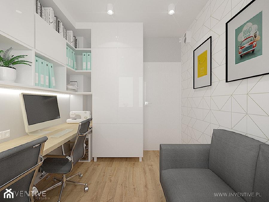 Aranżacje wnętrz - Biuro: MIESZKANIE DWUPOZIOMOWE z miętowym akcentem - Małe białe biuro domowe w pokoju, styl nowoczesny - INVENTIVE studio. Przeglądaj, dodawaj i zapisuj najlepsze zdjęcia, pomysły i inspiracje designerskie. W bazie mamy już prawie milion fotografii!