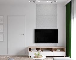 MARKI - Mały szary biały salon, styl minimalistyczny - zdjęcie od INVENTIVE studio