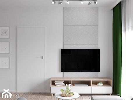 Aranżacje wnętrz - Salon: MARKI - Mały szary biały salon, styl minimalistyczny - INVENTIVE studio. Przeglądaj, dodawaj i zapisuj najlepsze zdjęcia, pomysły i inspiracje designerskie. W bazie mamy już prawie milion fotografii!