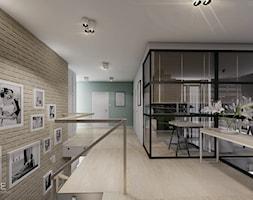 MIESZKANIE URSUS - dwa poziomy - Duży szary zielony hol / przedpokój, styl nowoczesny - zdjęcie od INVENTIVE studio