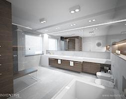 DREWNIANY AKECENT - Duża łazienka w bloku w domu jednorodzinnym z oknem, styl minimalistyczny - zdjęcie od INVENTIVE studio