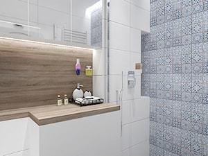 PATCHWORKOWY AKCENT - Średnia kolorowa łazienka w bloku w domu jednorodzinnym bez okna, styl rustykalny - zdjęcie od INVENTIVE studio