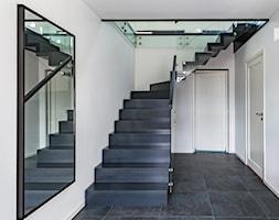 Czarne schody dywanowe - zdjęcie od TEKO - Homebook