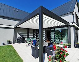Aluminiowa pergola tarasowa PRZYBYLSKI - zdjęcie od Przybylski Ogrody Zimowe & Konstrukcje aluminiowo-szklane - Homebook