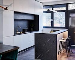 Realizacja GreenTiger - Kuchnia, styl nowoczesny - zdjęcie od KODY Wnętrza | projektowanie wnętrz i doradztwo - Homebook