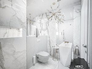 Łazienka Glamour ze złotymi akcentami - Średnia biała szara łazienka w bloku w domu jednorodzinnym bez okna, styl glamour - zdjęcie od Vimko Projektowanie Wnętrz