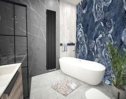 Łazienka wanna wolnostojąca - Średnia niebieska szara łazienka bez okna, styl glamour - zdjęcie od Vimko Projektowanie Wnętrz - Homebook