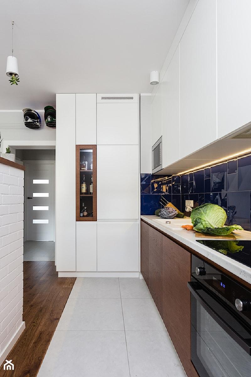 Mieszkanie 1 Srednia Otwarta Niebieska Kuchnia Jednorzedowa W
