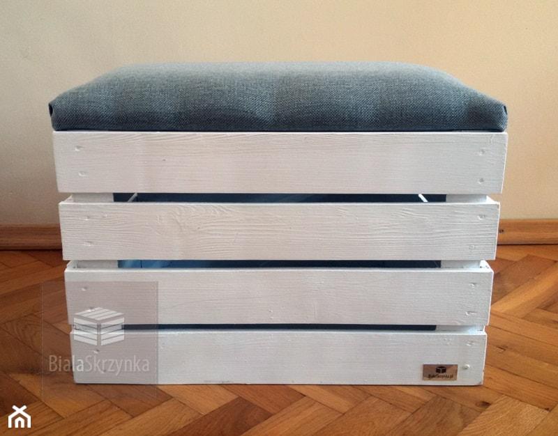 pufa siedzisko na zabawki buty pufy skrzynki drewniane kuferek - Pokój dziecka, styl tradycyjny - zdjęcie od bialaskrzynka.pl pufy kuferki skrzynki drewniane białe
