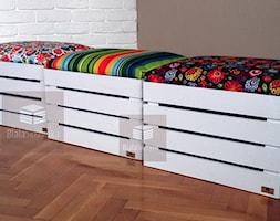 Salon+-+zdj%C4%99cie+od+bialaskrzynka.pl+pufy+kuferki+skrzynki+drewniane+bia%C5%82e