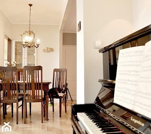 Mieszkanie Rumia  Salon, styl klasyczny  zdjęcie od ANA & BERTA PROJEK -> Salon Kuchni Rumia