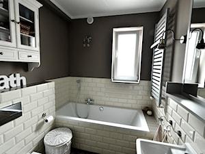 Mieszkanie Rumia 1 - Mała biała szara łazienka z oknem, styl eklektyczny - zdjęcie od GAGO Design