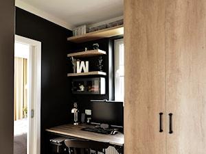 Mieszkanie Rumia 1 - Małe czarne biuro kącik do pracy w pokoju, styl eklektyczny - zdjęcie od GAGO Design