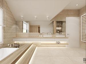 PROJEKT ŁAZIENKI - Duża beżowa łazienka na poddaszu w domu jednorodzinnym jako domowe spa z oknem, styl nowoczesny - zdjęcie od EKLEKT ATELIER