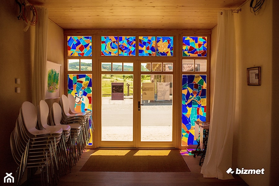 Aranżacje wnętrz - Wnętrza publiczne: Stolarka drewniana - bizmet - okna, drzwi, kominki, bramy. Przeglądaj, dodawaj i zapisuj najlepsze zdjęcia, pomysły i inspiracje designerskie. W bazie mamy już prawie milion fotografii!