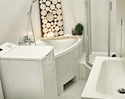 Łazienka :) - Mała biała łazienka na poddaszu w bloku w domu jednorodzinnym bez okna, styl skandynawski - zdjęcie od Healthylifestyle_domi_