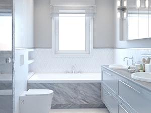 Klasyczna łazienka w bieli z wanna pod oknem - zdjęcie od Auroom Concept