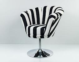 Fotel Muszelka Czarno Biały EMRA WOOD - zdjęcie od Emra Wood Design - Homebook