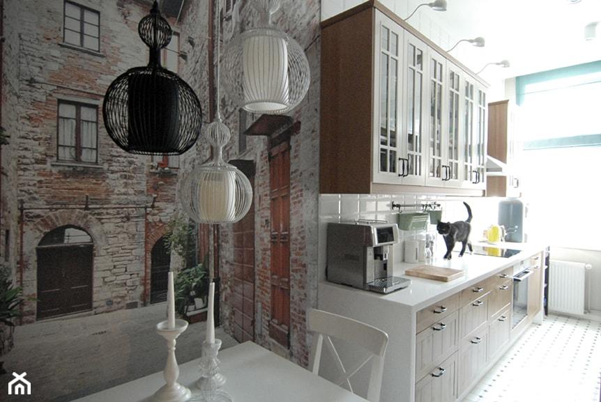 KUCHNIA W STAREJ KAMIENICY - Mała średnia otwarta kuchnia jednorzędowa w aneksie, styl klasyczny - zdjęcie od MPArchitekci - Homebook
