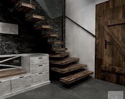 wiatrołap z klatką schodową na poddasze w drewnanym domku weekendowym - zdjęcie od balhouse - projektowanie wnętrz