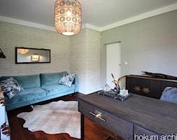 Dom w Izabelinie, 400m2 - Średnie beżowe szare biuro domowe kącik do pracy w pokoju, styl nowoczesny - zdjęcie od hokum architekci