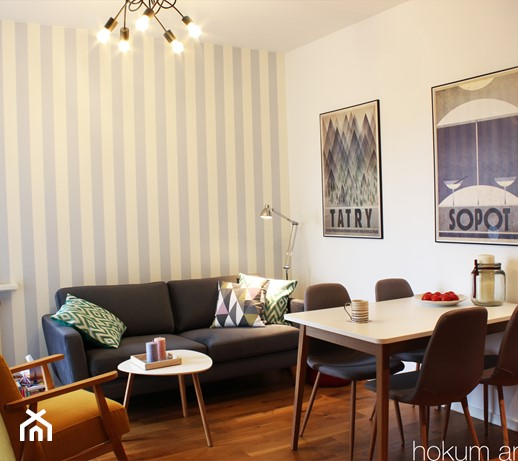 Projekt dwupokojowego mieszkania o powierzchni 43 mkw - wakacyjny styl przez okrągły rok