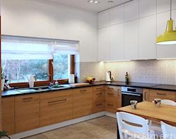 Dom w Klęku 300m2 - Duża otwarta biała kuchnia w kształcie litery l z oknem, styl skandynawski - zdjęcie od hokum architekci