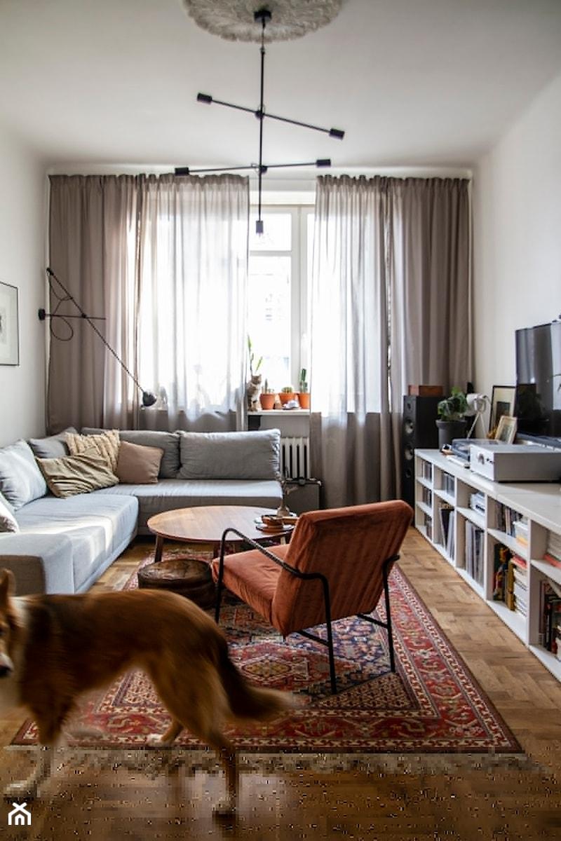 Konkurs O!Twórz Mieszkanie - Mały szary salon, styl eklektyczny - zdjęcie od Porta Drzwi