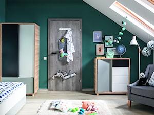 Inspiracje - Średni biały zielony pokój dziecka dla chłopca dla malucha dla nastolatka, styl nowoczesny - zdjęcie od Porta Drzwi