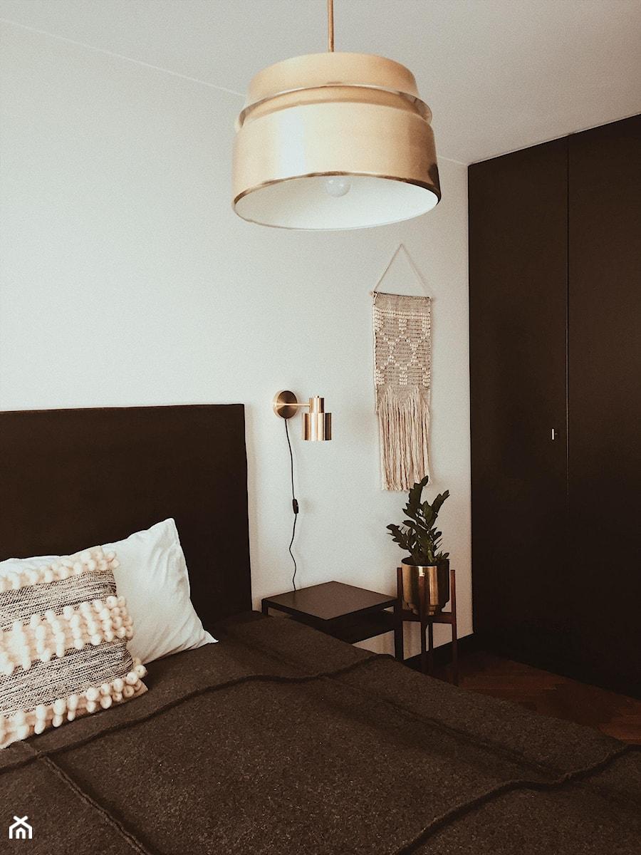 Konkurs O!Twórz Mieszkanie - Mała biała sypialnia małżeńska, styl eklektyczny - zdjęcie od Porta Drzwi