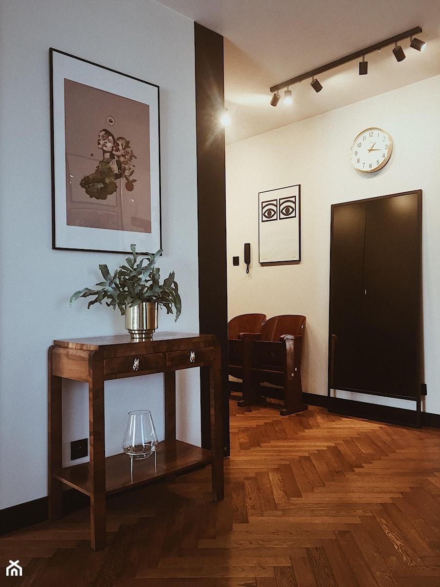 Konkurs O!Twórz Mieszkanie - Średni biały czarny hol / przedpokój, styl eklektyczny - zdjęcie od Porta Drzwi