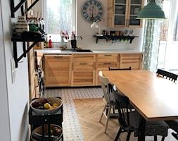 Konkurs O!Twórz Mieszkanie - Średnia otwarta szara kuchnia w kształcie litery l z oknem, styl eklektyczny - zdjęcie od Porta Drzwi