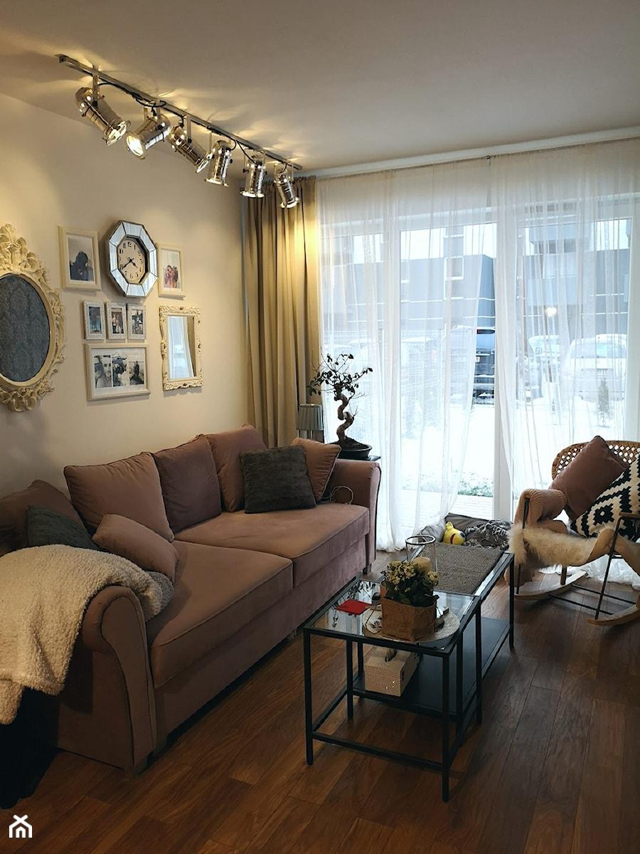 Konkurs O!Twórz Mieszkanie - Mały szary salon, styl glamour - zdjęcie od Porta Drzwi