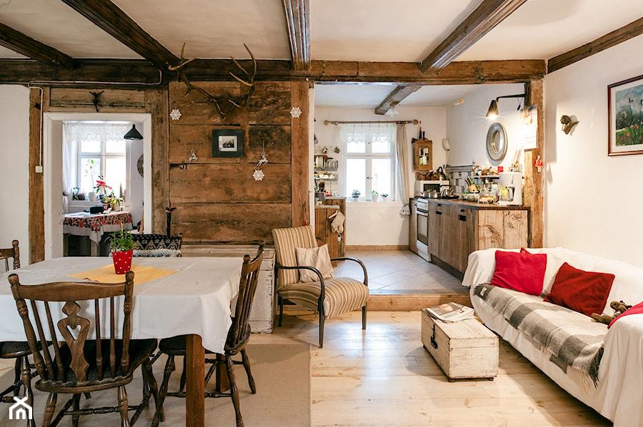 Konkurs O!Twórz Mieszkanie - Średni szary salon z kuchnią z jadalnią, styl rustykalny - zdjęcie od Porta Drzwi
