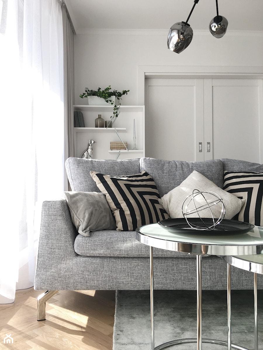 Konkurs O!Twórz Mieszkanie - Mały biały salon, styl nowoczesny - zdjęcie od Porta Drzwi